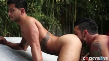 Jimmy Durano lèche le fion de Ricky Roman