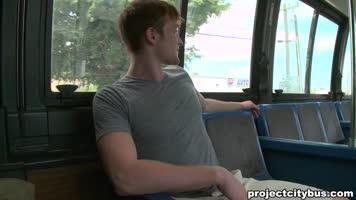 Sexe interracial dans le bus