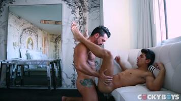 Jimmy Durano encule le sexy Alessandro Haddad!