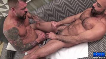 Rocco Steele et Adam Russo - Sexe Bareback